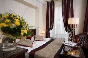 Гостиница (отель) Золотой треугольник