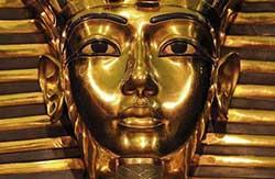 Реставрация погребальной маски Тутанхамона