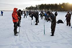 Соревнования по подлёдной ловле рыбы в Финляндии