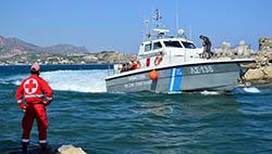 Возле острова Миконос затонул туристический катер